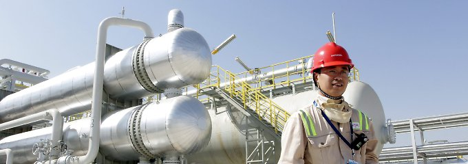 Engagement im Irak: In der Region Amara rund 450 Kilometer südlich von Bagdad planen Petrochina-Experten den Ausbau der Raffineriekapazitäten über dem Halfaya-Ölfeld.