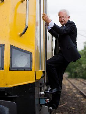 Rüdiger Grube nimmt den Zug - versteht sich von selbst.