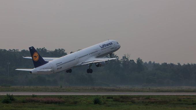 Die gute Nachricht am Dienstag: Die LH-Flugzeuge sind dort, wo sie hingehören - in der Luft.