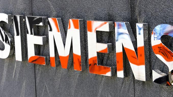 Siemens will am Fracking-Boom in den USA mitverdienen - und verabschiedet sich dafür weiter von seiner Öko-Strategie.