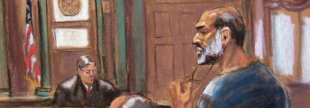 """Abu Gaith (r.) auf der Abbildung des Gerichtszeichners: Seine fehlende Reue lasse ihn die """"Maximalstrafe"""" verdienen, sagte Richter Kaplan."""