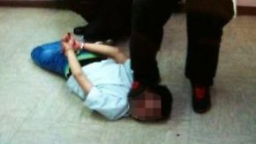 Das Video fiel der Polizei in die Hände, nachdem sie in einem anderen Fall im selben Heim ermittelt hatte.