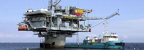 Dea-Bohrinsel vor Schleswig Holstein: Die RWE-Tochter ist an der Exploration neuer Gasquellen im britischen Hoheitsgebiet in der Nordsee beteiligt.