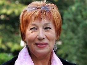 Ella Poljakowa wurde für ihr Engagement bei den St. Petersburger Soldatenmüttern u.a. mit dem Aachener Friedenspreis geehrt.