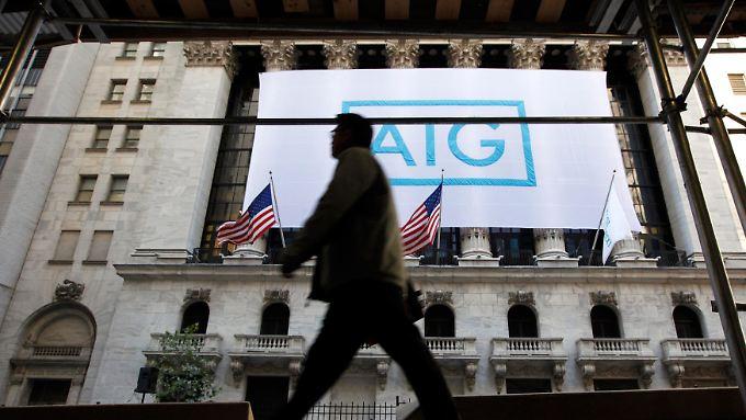 AIG-Banner an der Fassade der New Yorker Börse.