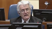 Tribunal nach Jugoslawien-Krieg: Karadzic will es nicht gewesen sein