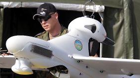 Bewaffneter Einsatz geplant: Bundeswehr schickt Soldaten in die Ostukraine