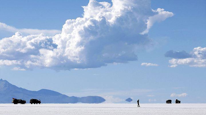 Gleißendes Licht: Der Salar de Uyuni in der bolivianischen Hochebene.