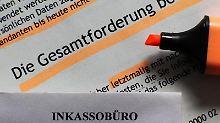Inkasso-Schreiben sorgen häufig für Angstschweiß und Panik. Trotzdem sollte man einen kühlen Kopf bewahren und die Angaben genau prüfen. Betrugsversuche sind nicht selten. Foto: Jens Büttner