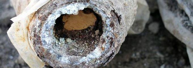 Ein chemischer Sprengkopf, der 2004 von dänischen Soldaten in der Nähe von Basra gefunden wurde.
