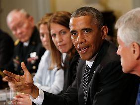 """Die Europäer könnten mehr tun: Obama erklärt die Westafrika#Hilfe zur """"Investition in die eigene öffentliche Gesundheit""""."""