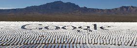 Digitalkonzern mit hohem Strombedarf: In der Mojave-Wüste im Süden Kaliforniens ist Google am weltgrößten Solarthermiekraftwerk beteiligt.