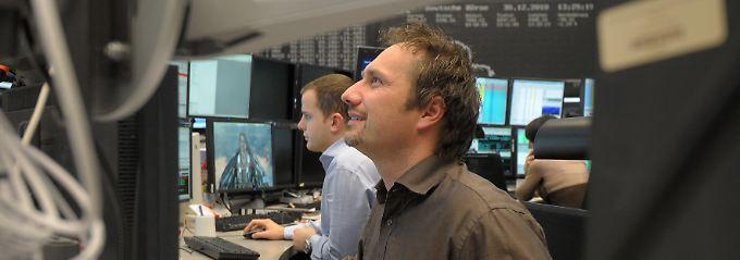 Gute Stimmung unter den Börsianern nach einem Börsentag voller Gewinner.