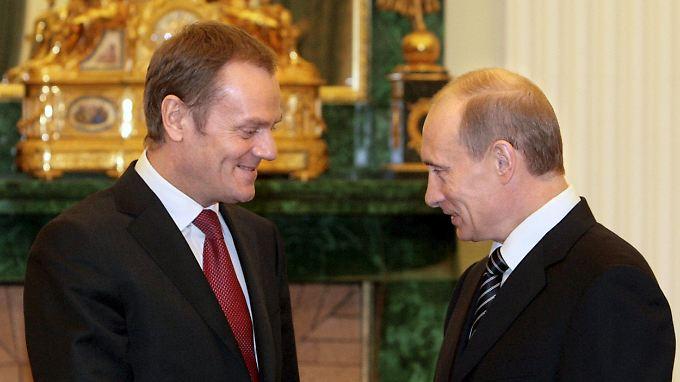 Moskau 2008: Donald Tusk (l.) trifft Wladimir Putin (r.). Letzterer soll dem damaligen polnischen Regierungschef ein politisch-unmoralisches Angebot gemacht haben.