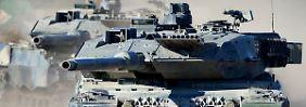 Panzerbataillon wird aktiviert: Von der Leyen rüstet für neuen Kalten Krieg