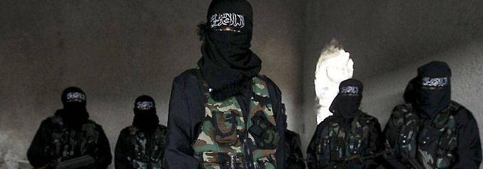 """Was treibt Frauen zum IS?: Auf der Suche nach den """"besseren"""" Männern"""