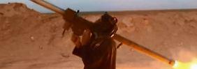 In diesem Propagandavideo demonstriert ein IS-Kämpfer den Umgang mit einem chinesischen FN-6-Manpad.
