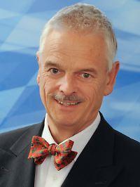 Wolfgang Gerke ist emeritierter Professor für Bank- und Börsenwesen sowie Präsident des Bayerischen Finanz Zentrums.