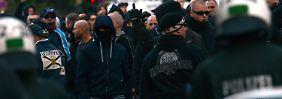 Hooligan-Demo in Köln eskaliert: Dritte Halbzeit Politik