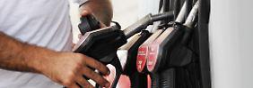 Fallende Rohölpreise: Preise für Benzin und Heizöl  sinken
