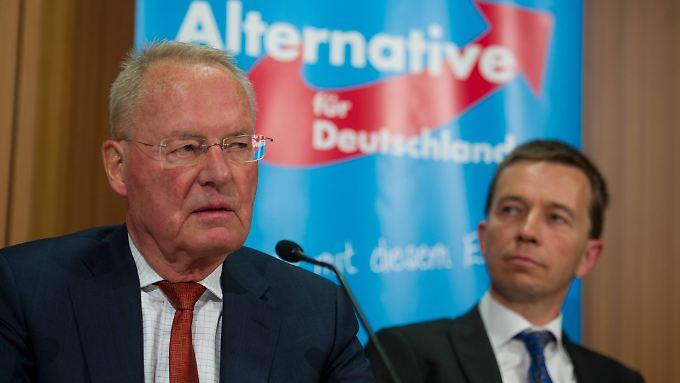 Köpfe einer nicht immer ganz leicht zu führenden Partei: AfD-Chef Bernd Lucke (r.) mit Vize Hans-Olaf Henkel.