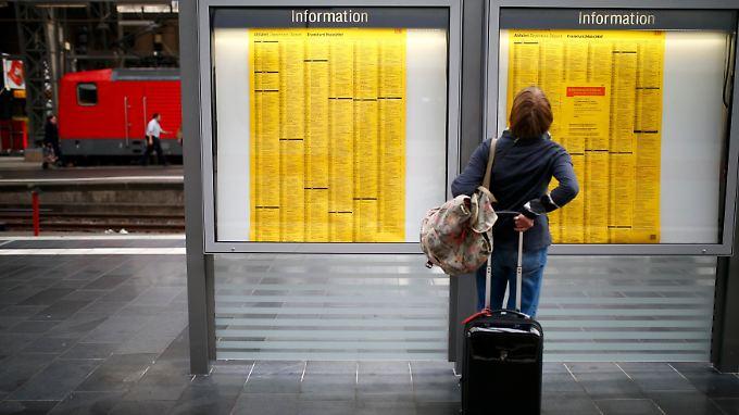Wer sich das Bahn-Chaos nicht antun möchte, sollte schnell Alternativen suchen.