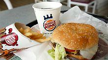 Das erste Burger-King-Restaurant wurde am 4. Dezember 1954 in Miami, Florida unter dem Namen Insta Burger King eröffnet.