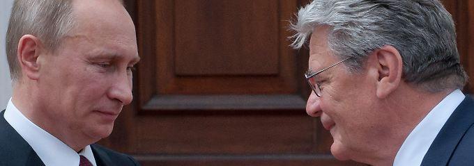 Im Sommer 2012 empfing Gauck Putin im Schloss Bellevue. Zu den Winterspielen in Sotschi wollte er jedoch nicht fahren.