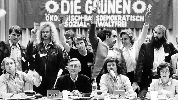 Die Grünen bei ihrem Gründungsparteitag 1980 in Karlsruhe