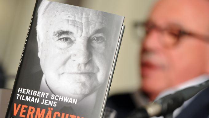 """Die Kohl-Biographie """"Vermächtnis"""" und der Autor Heribert Schwan."""