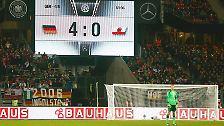 Da er zu einem zufriedenstellenden deutschen Ergebnis im Grunde nur von einer Seite etwas beisteuern konnte, war Manuel Neuer während langen Spielabschnitten ohne Beschäftigung. Zwischendurch machte er sogar Kniebeugen am Mittelkreis, bis es dann ...