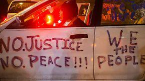 Gespannte Stimmung in Ferguson: Kommt der Todesschütze ohne Gerichtsverfahren davon?