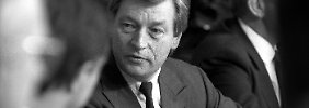 Deutsche-Bank-Chef Alfred Herrhausen 1988 in Bonn.