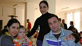 Familie Al-Katib in der Kirche in Amman.