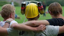 Junge Menschen und Alkohol: Gefahr für die Wohnungseinrichtung