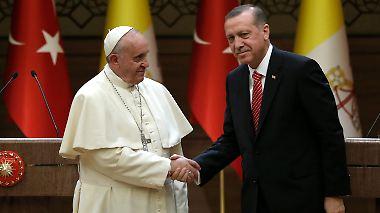 Hasstirade gegen den Westen: Brandrede Erdogans überschattet Papstbesuch