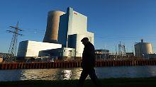 Eon erfindet sich neu als Erneuerbarer Energiekonzern: Der Dax-Konzern verabschiedet sich aus dem Zeitalter von Kohle, Gas und Atomkraft.