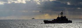 """Ein Meer mit vielen Nachbarn: Schiffsbewegungen - wie hier anlässlich des russisch-weißrussischen Seemanäbers """"Zapad-2013"""" - bleiben rund um die Ostsee nicht unbemerkt."""