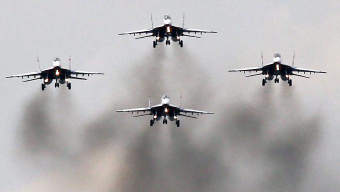 Kampfjets vom Typ Mig-29 - Russland liefert dem Assad-Regime immer wieder Flugzeuge dieser Art.