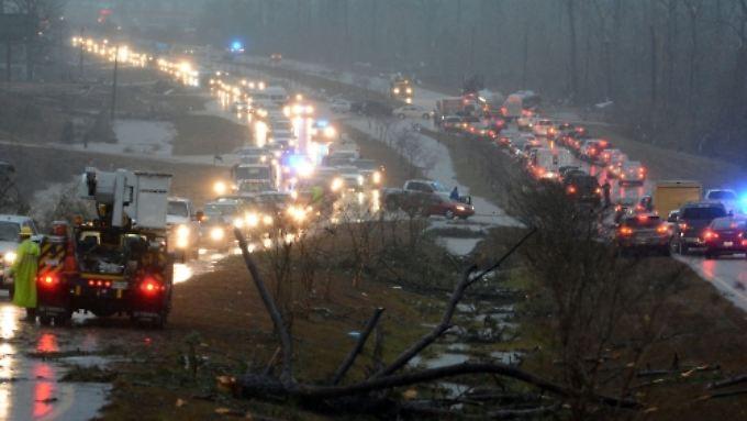 Für die beiden am schwersten betroffenen Regionen, Jones und Marion County, wurde der Notstand ausgerufen.