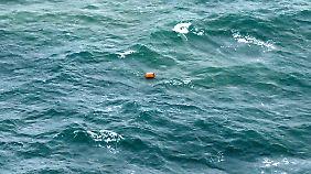 Trümmer bringen traurige Gewissheit: Das vermisste Air-Asia-Flugzeug stürzte ins Meer.