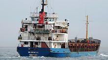 Frachter treibt in Adria: Mehr als 600 Menschen in Seenot