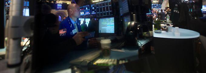 Der erste Wochenschluss nach dem Jahreswechsel: Die Wall Street steckt die schwachen ISM-Daten recht robust weg.