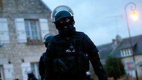 Neue Infos über Kouachi-Brüder: 88.000 Einsatzkräfte suchen nach den Attentätern von Paris