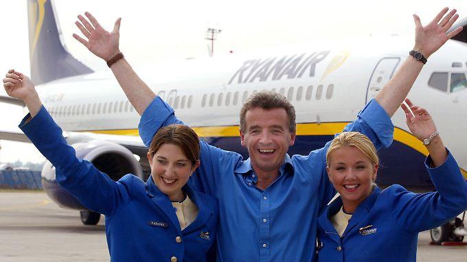 Im Notfall fliegt die Stewardess: Ryanair will Co-Piloten abschaffen