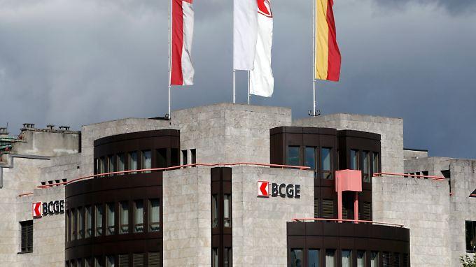 Ein Hacker ist nach eigenen Angaben in das Computersystem der Genfer Kantonalbank eingedrungen.