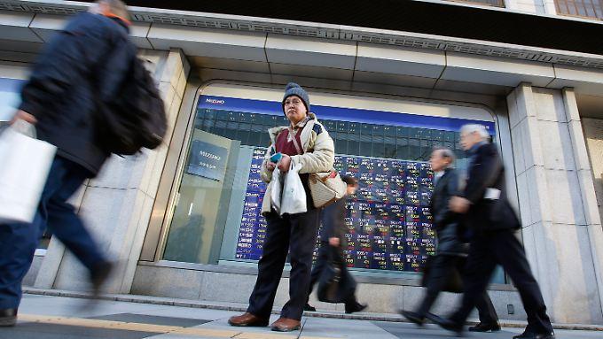 In Japan hilft auch der im Verhältnis zum Yen festere US-Dollar.