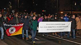Bachmann tritt zurück: Legida mobilisiert weniger als erwartet