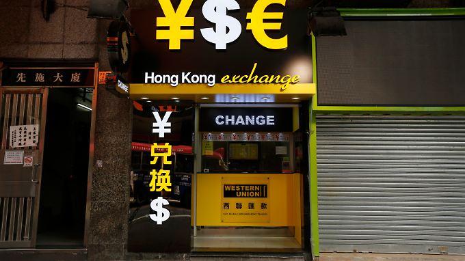 Der Starke Dollar setzt derzeit fast allen anderen Währungen zu.