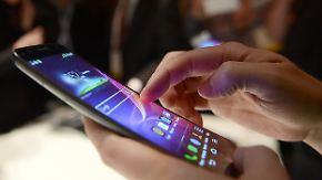 """""""Fett des 21. Jahrhunderts"""": Exzessive Smartphone-Nutzung führt zu neuem Krankheitsbild"""